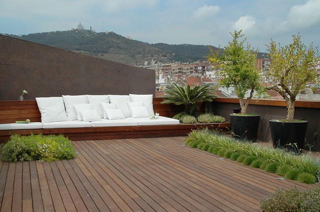 Giardini e irrigazione giardiniere giardinaggio parchi for Mobili per terrazzi e giardini